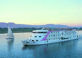 Nile Cruise Tour and Stay from Hurghada